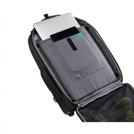 Sac à dos Roller Backpack de Thule ouvert avec MacBook Pro